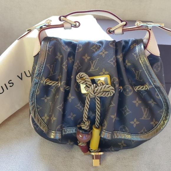 Louis Vuitton Handbags - Louis Vuitton Kalihari PM